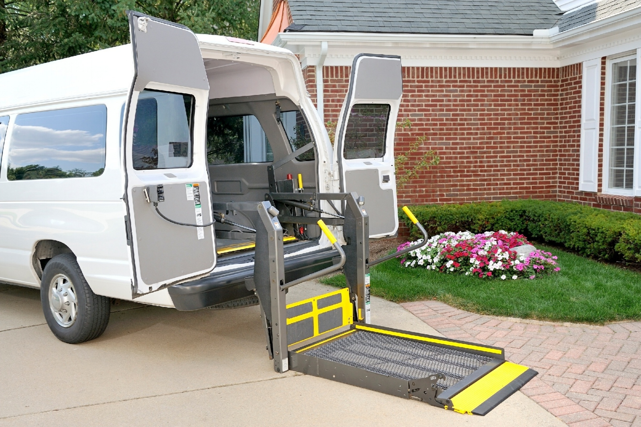 Non Emergency Medical Transportation Van with Wheelchair Lift