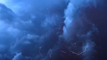 thunderstorm-3430471_1280