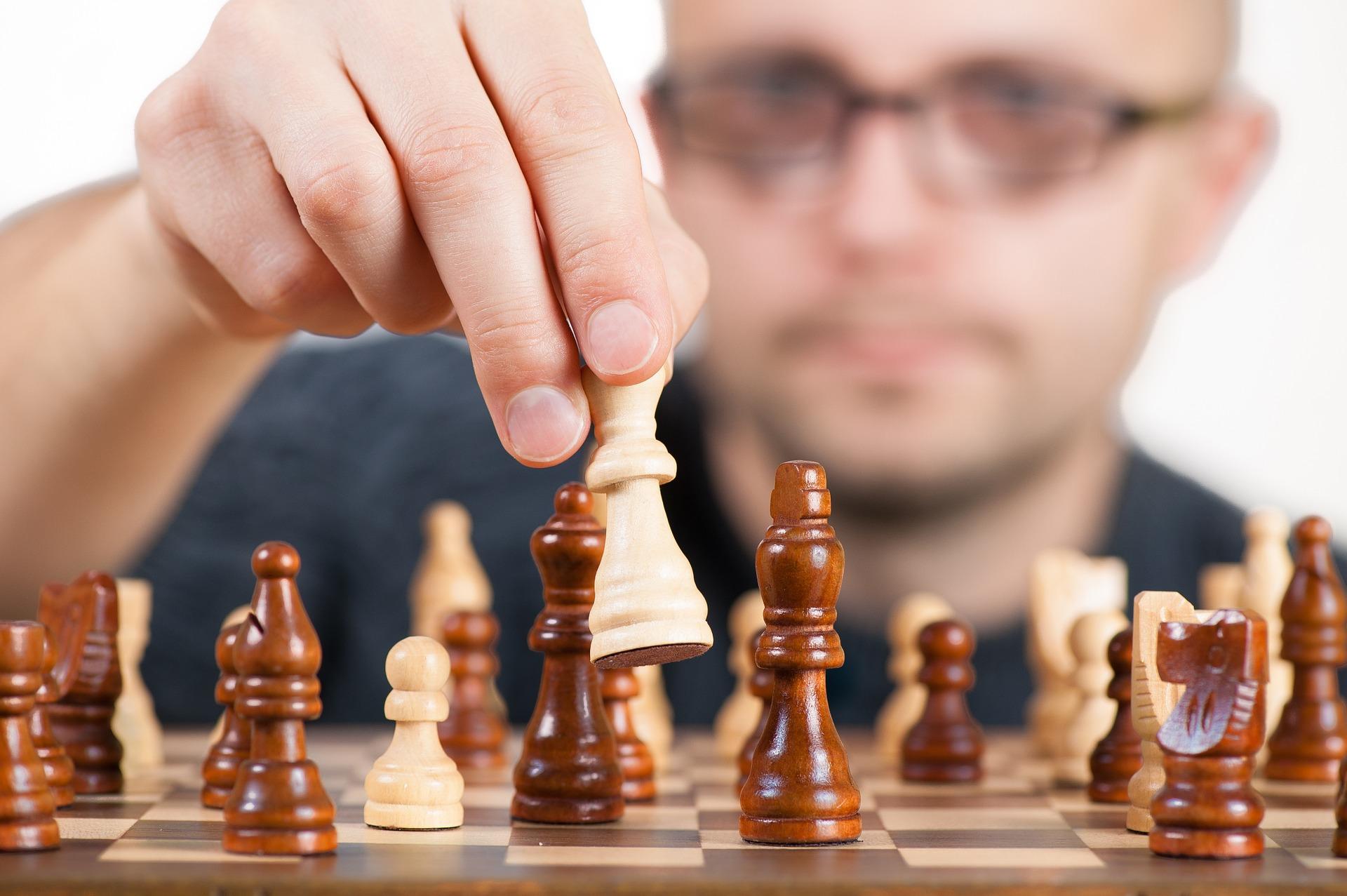 the-strategy-1080527_1920.jpg